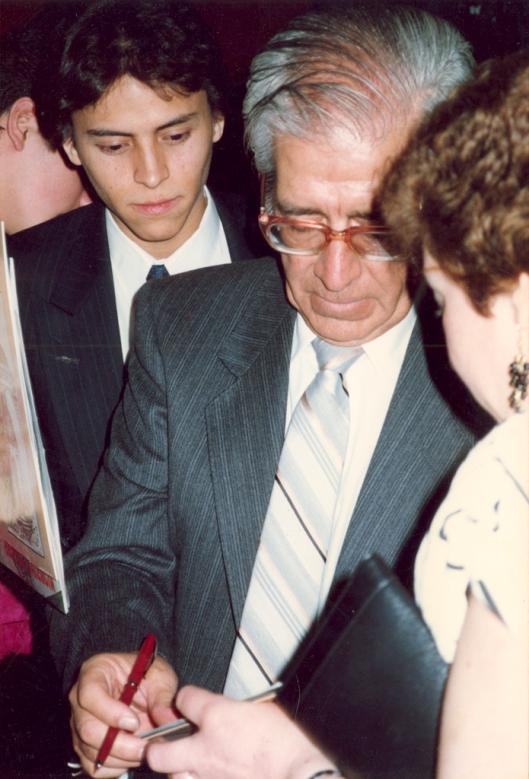Pentagrama Sentimental Ecuatoriano, programa organizado por Anibal Vasconez en la ciudad de Nueva York en Marzo de 1987 con la presentacion de Gonzalo Benitez
